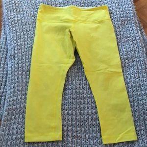 Lulu lemon cropped leg pants